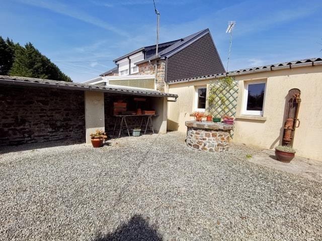 Sale house / villa St symphorien le valois 126750€ - Picture 6