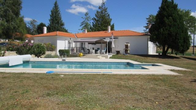 Vente maison / villa Saint jean d'angely 305950€ - Photo 2