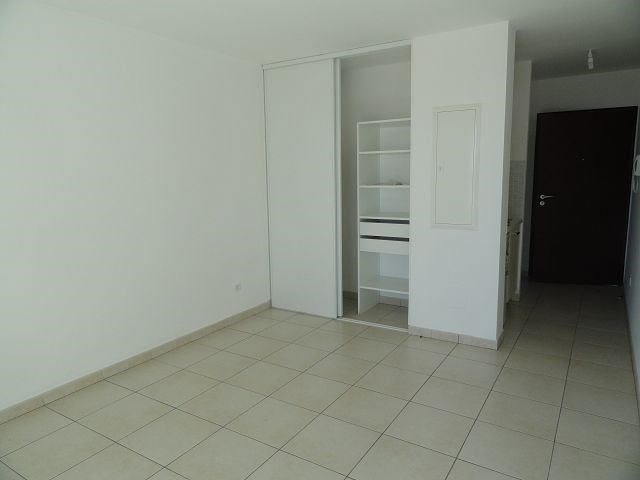Location appartement Ste clotilde 363€ CC - Photo 4