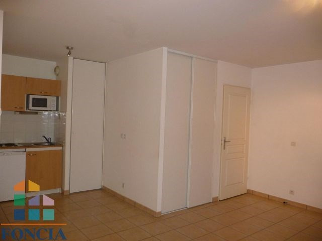 Verhuren  appartement Chambéry 461€ CC - Foto 1
