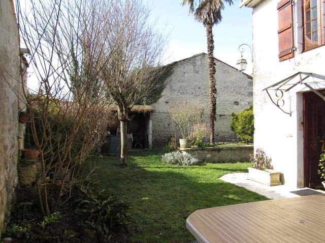 Vente maison / villa Saint-jean-d'angély 159000€ - Photo 2