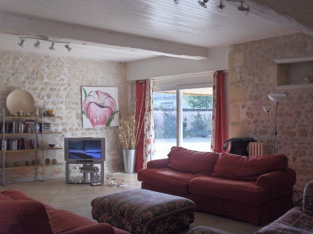 Sale house / villa Saint jean d'angely 353 425€ - Picture 4