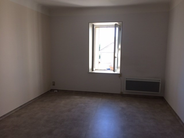 Location appartement Laissac 458€ CC - Photo 2