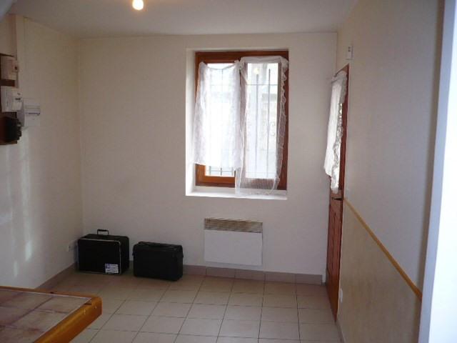 Location appartement Saint-ouen-l'aumône 526€ CC - Photo 2