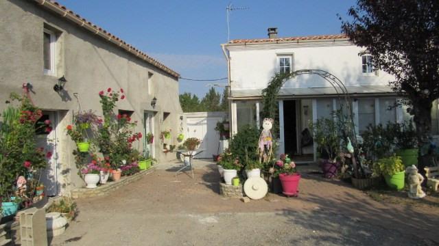Vente maison / villa Saint jean d'angely 127500€ - Photo 2