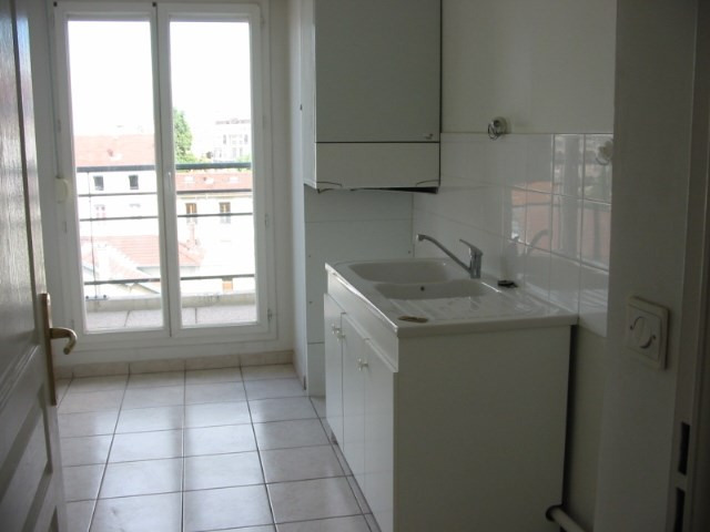 Rental apartment Villeurbanne 727€ CC - Picture 3