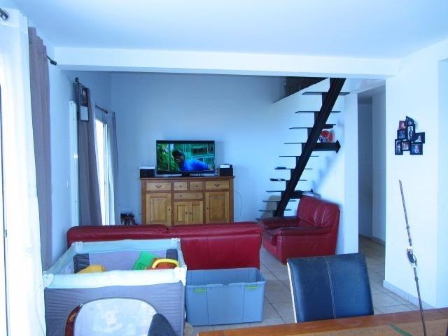 Sale house / villa Les avirons 395000€ - Picture 4
