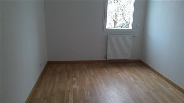 Location appartement Claix 950€ CC - Photo 2