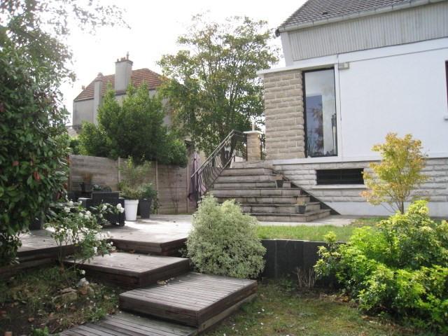 Sale house / villa Bougival 949000€ - Picture 1