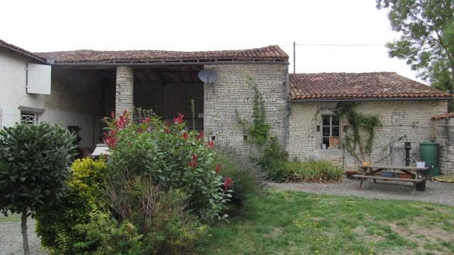 Sale house / villa Saint jean d'angely 233200€ - Picture 2
