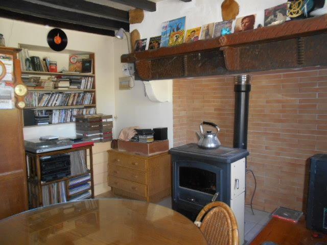 Sale house / villa Esquiule 74000€ - Picture 1