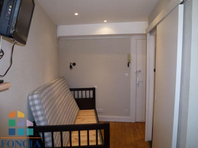 Location appartement Chambéry 295€ CC - Photo 2
