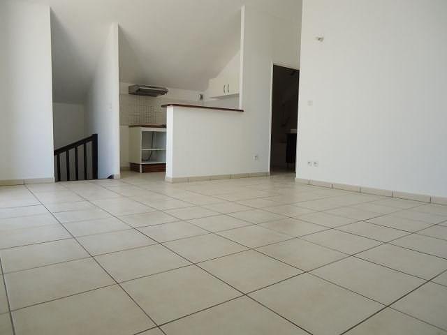 Location appartement St denis 803€ CC - Photo 1