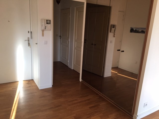 Rental apartment Courbevoie 2 300€ CC - Picture 8