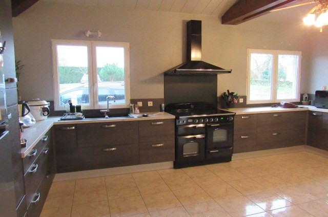 Sale house / villa Romegoux 303840€ - Picture 5