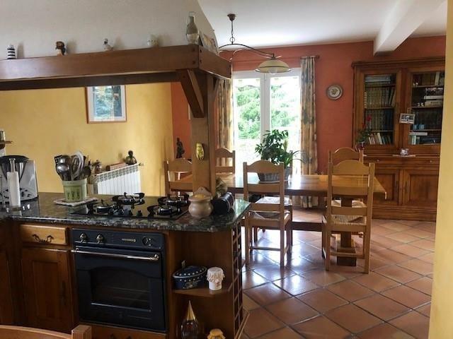 Sale house / villa La tour du pin 320000€ - Picture 5