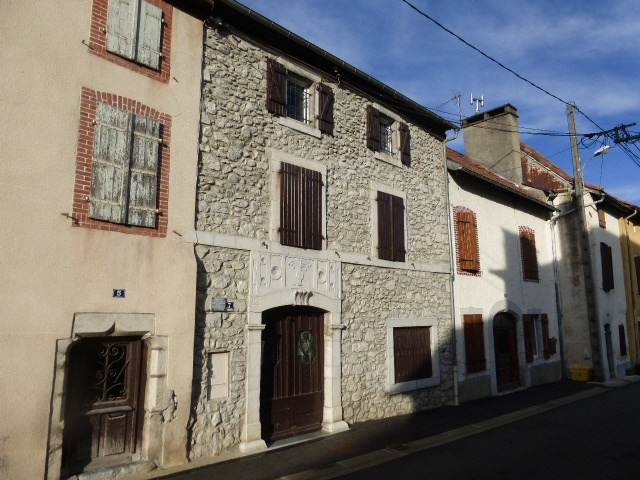 Location appartement Arudy 515€ CC - Photo 1