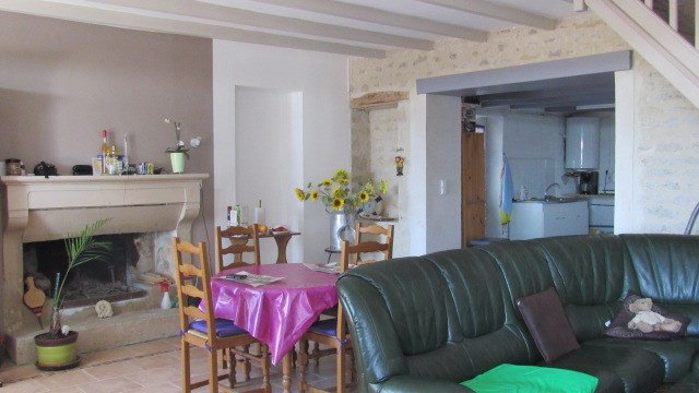 Vente maison / villa Loulay 122 250€ - Photo 3