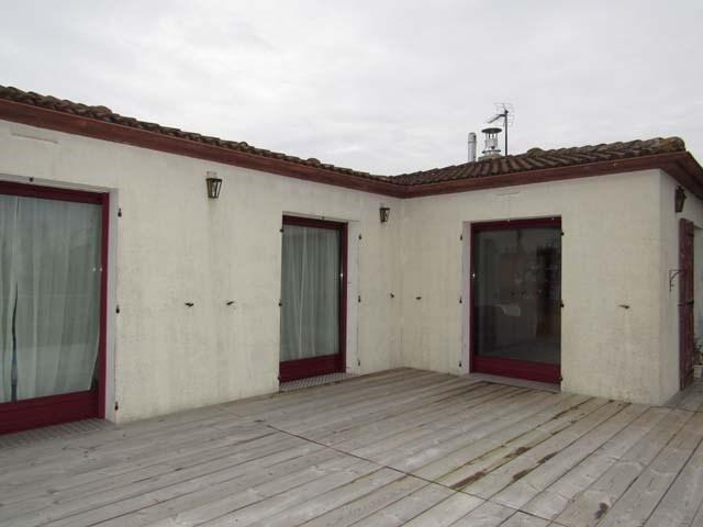 Vente maison / villa Saint-jean-d'angély 132750€ - Photo 2