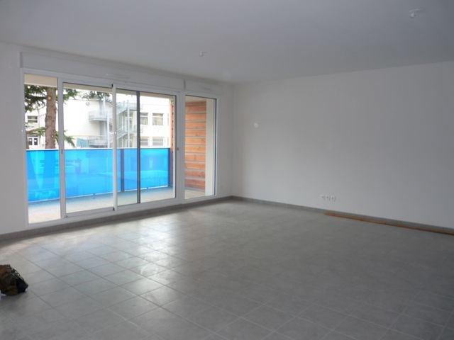 Rental apartment Saint-etienne 888€ CC - Picture 3