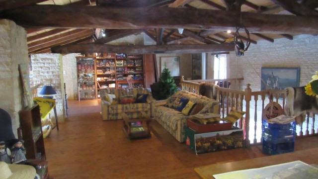Sale house / villa Saint-jean-d'angély 582400€ - Picture 8