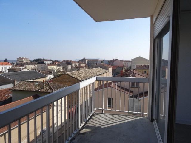 Location appartement Villefranche sur saone 611,42€ CC - Photo 8