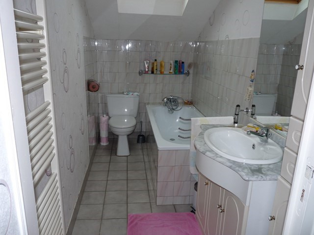 Vente maison / villa Montverdun 239000€ - Photo 7