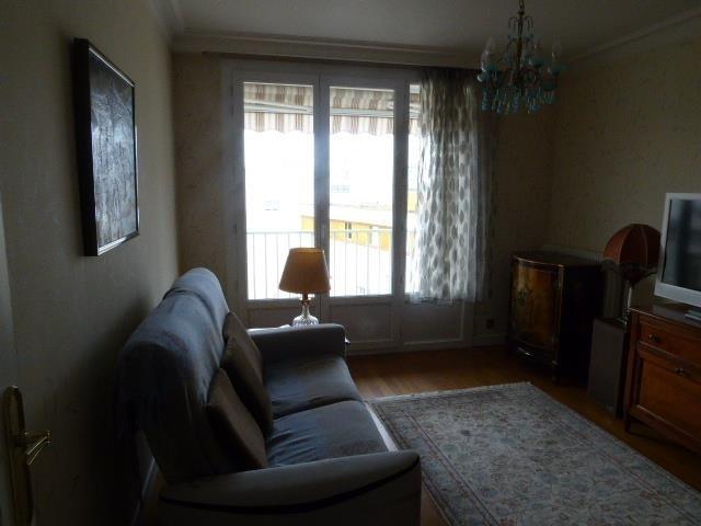 Sale apartment Lyon 8ème 302000€ - Picture 6