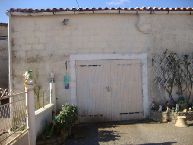 Vente maison / villa Saint jean d'angely 127500€ - Photo 3