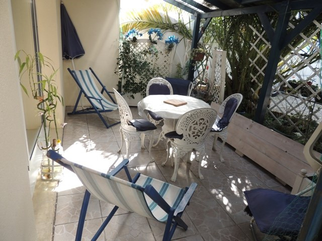 Vacation rental house / villa Vaux sur mer 390€ - Picture 2