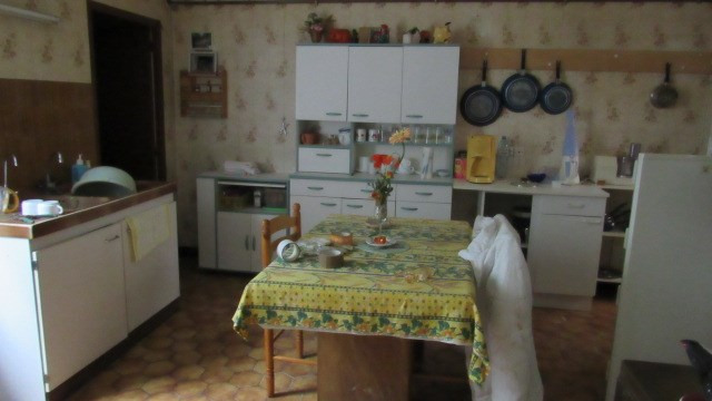Sale house / villa Saint jean d'angely 75 000€ - Picture 3