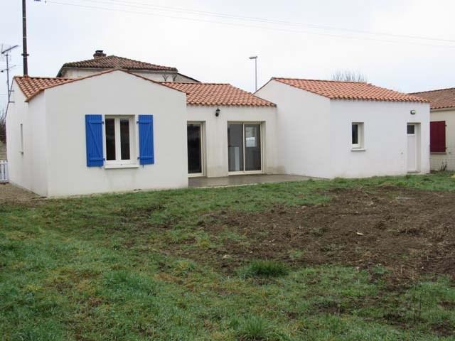 Vente maison / villa Villeneuve-la-comtesse 135900€ - Photo 1