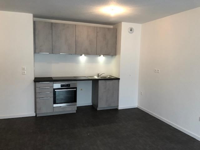 Rental apartment Strasbourg 766€ CC - Picture 2
