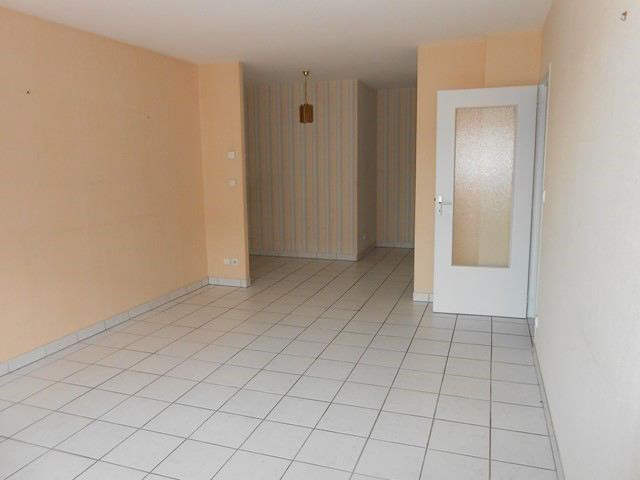 Rental apartment Roche-la-moliere 474€ CC - Picture 1