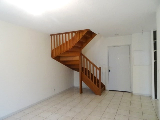 Location appartement Villefranche sur saone 688,66€ CC - Photo 2