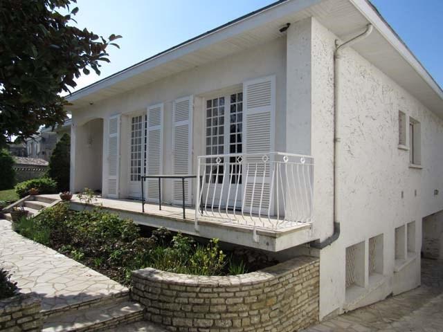 Sale house / villa Saint-jean-d'angély 273245€ - Picture 2