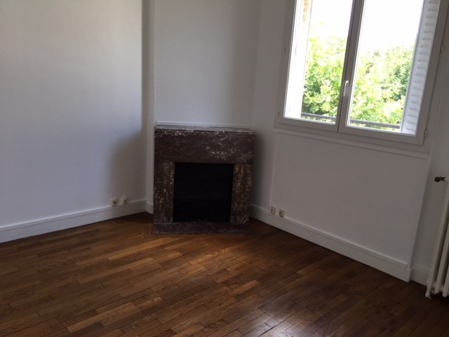 Location appartement Colombes 760€ CC - Photo 2