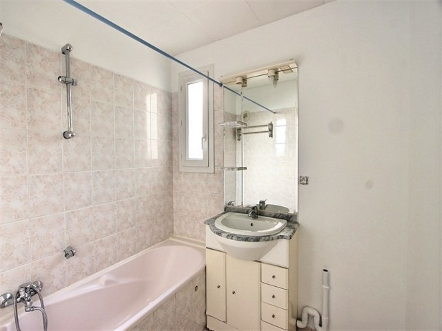 Rental apartment Seynod 1 135€ CC - Picture 6