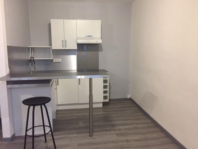 Verhuren  appartement Saint-genest-lerpt 478€ CC - Foto 7