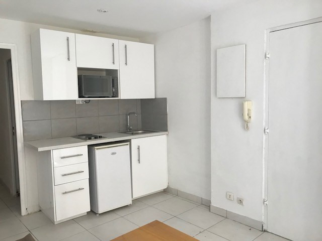 Location appartement Lorgues 340€ CC - Photo 3
