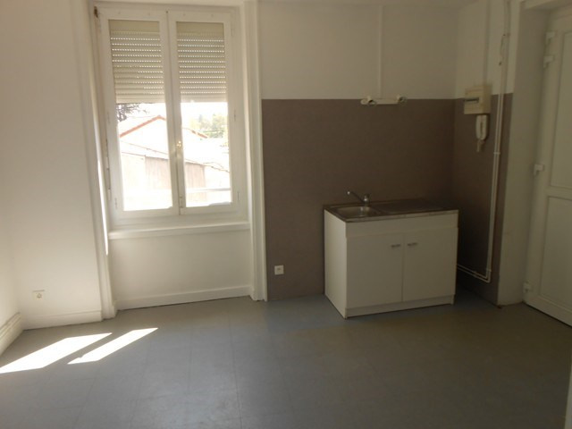 Location appartement Montrond-les-bains 426€ CC - Photo 5