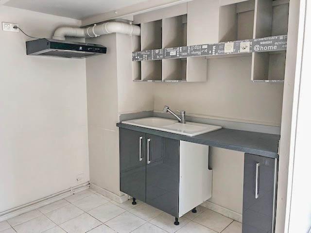 Verkoop  flatgebouwen Uzes 395000€ - Foto 6