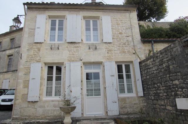 Sale house / villa Saint-savinien 105450€ - Picture 1