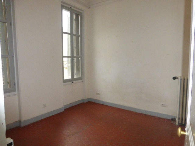 Location appartement Aix en provence 1 253€ CC - Photo 4
