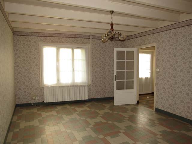 Vente maison / villa Saint-jean-d'angély 75000€ - Photo 6