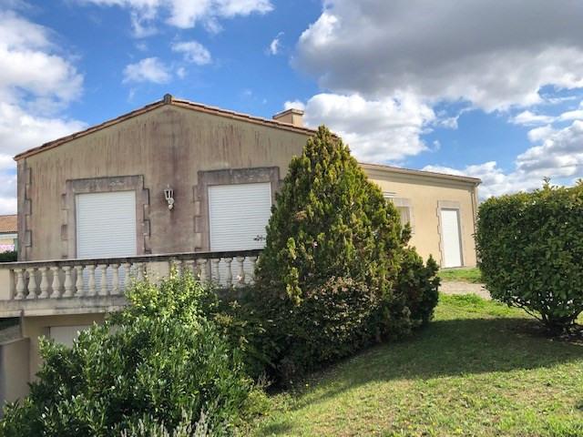Vente maison / villa Saint-jean-d'angély 185500€ - Photo 1