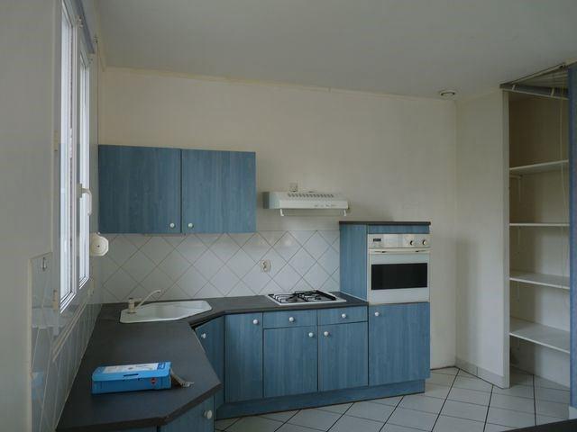 Location maison / villa Roche-la-moliere 685€ CC - Photo 2