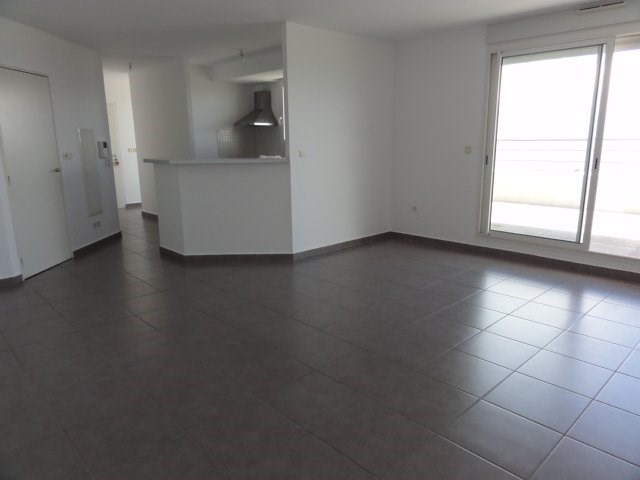 Location appartement St denis 1 300€ CC - Photo 2
