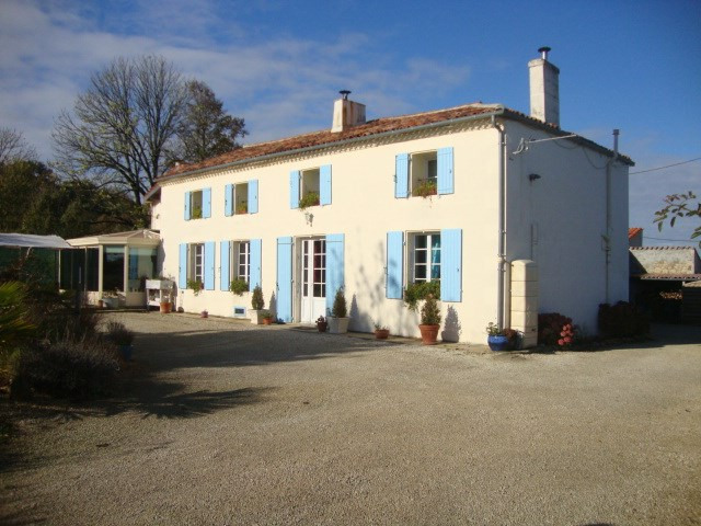 Vente maison / villa Loulay 233 200€ - Photo 1
