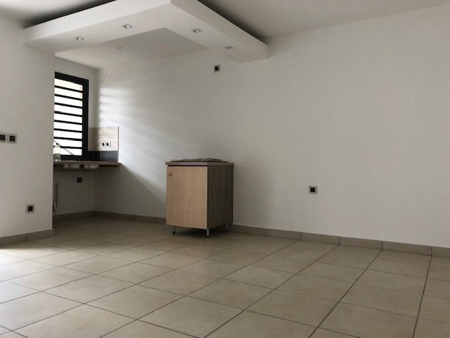 Location appartement Ste suzanne 750€ CC - Photo 1